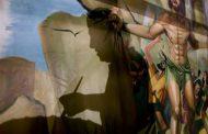 Egyptian artist paints church murals