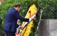 President El-Sisi lays wreath at Vietnamese Ho Chi Minh's memorial