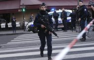 Knifeman attacks soldier in Paris subway, terrorism probe opened