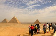 Egypt's tourism revenues rise 170 percent: official