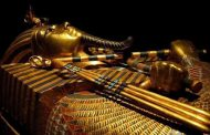 The first international tour of Tutankhamun's Treasures to the world