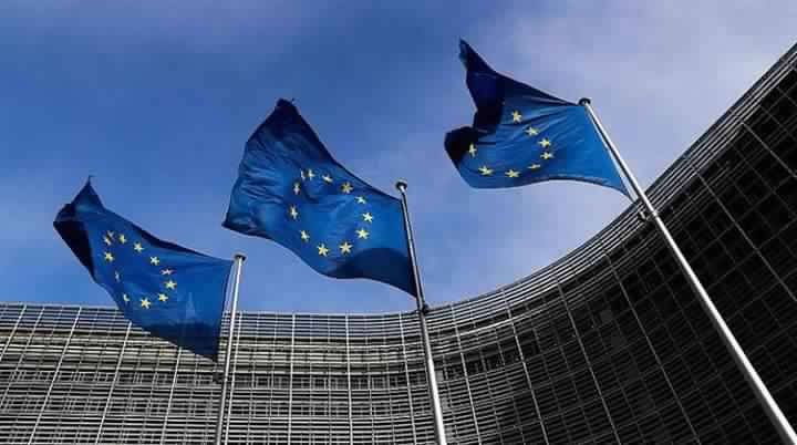 Europe rejects Turkish blackmail, confirms its adherence to refugee agreement