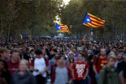 Clashes erupt in Barcelona as Catalans keep up pressure for split from Spain