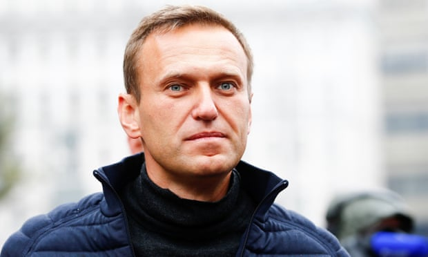 Mass raids target Russian opposition leader Alexei Navalny