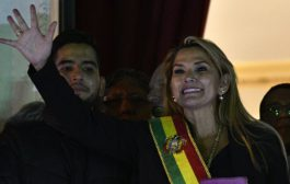 Bolivia: Jeanine Añez claims presidency after ousting of Evo Morales