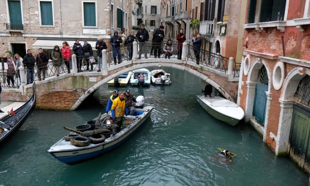Venice rejects autonomous rule with poll turnout of just 21%
