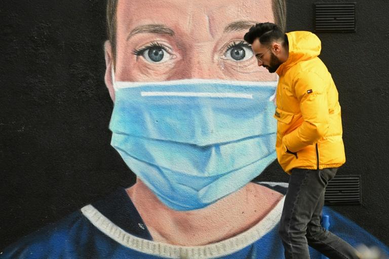 Merkel, premiers to extend lockdown as Germany braces for new strains