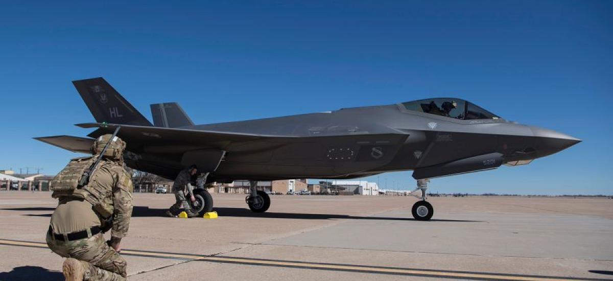 Pentagon vows to scale back Turkey's F-35 component production