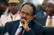 Somalia's politicians strike a last-minute deal, but fears of conflict remain high