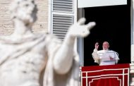 Pope Says Will Make Iraq Trip Despite Rocket Attack