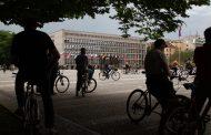 Populist Leaders in Eastern Europe Run Into a Little Problem: Unpopularity