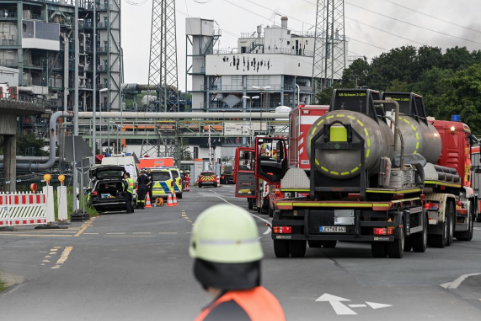 One dead and four missing after explosion at chemicals plant in Leverkusen