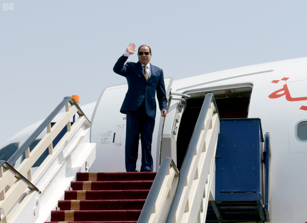 El-Sisi leaves for UAE on two-day official visit