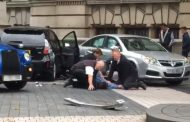 Car hits pedestrians outside Natural History Museum in London