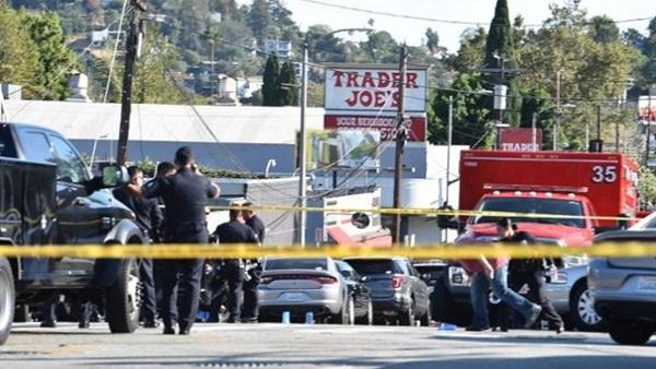 US police detains supermarket gunman