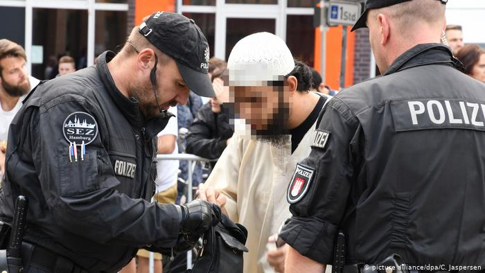 Abu Walaa al-Iraqi: ISIS's first arm is recruiting youth in Germany