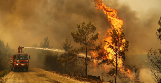 Three dead and ten stranded as wildfire rages across southern Turkey
